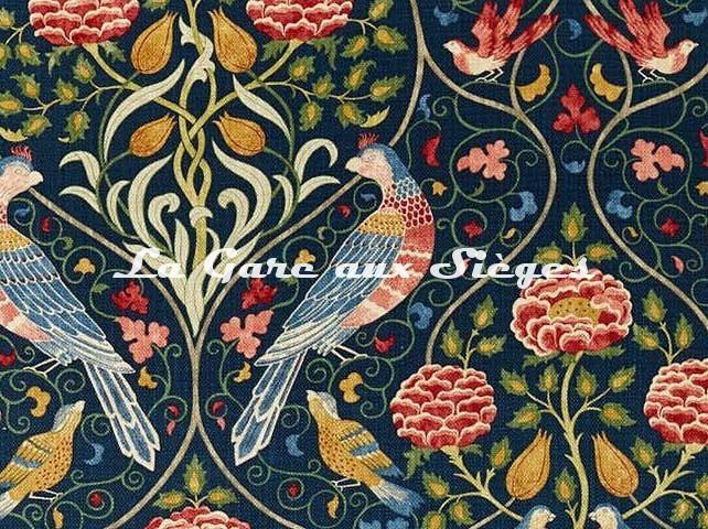 Tissu William Morris - Seasons by May - réf: 226591 Indigo ( détail ) - Voir en grand