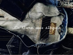 Tissu Jean Paul Gaultier - On the Road - réf: 3449-01 Indigo - Voir en grand