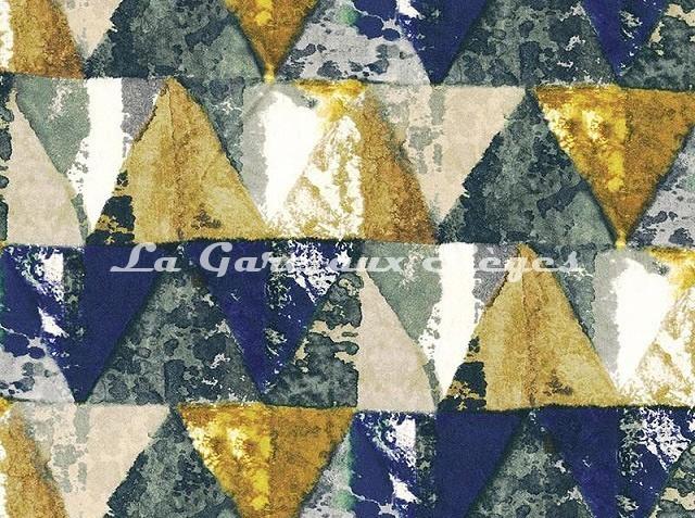 Tissu Casamance - Velours Private - réf: 3822.0371 Bleu Klein/Jaune or - Voir en grand