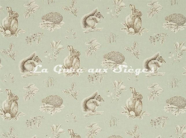 Tissu Sanderson - Squirrel & Hedgehog - réf: 225522 Seaspray/Charcoal - Voir en grand