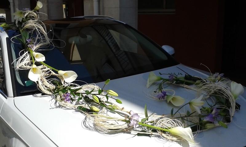 Dessus d cor de voiture mariage art floral chaumont - Decoration de voiture de mariage original ...