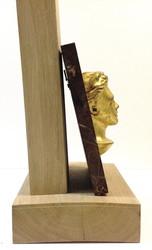 Demi buste Arthur Rimbaud doré sur fond papier ciré 1 dos - Voir en grand