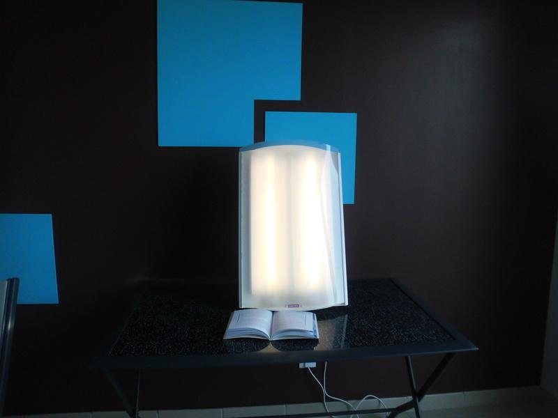 Luminothérapie, 30 minutes - Luminothérapie, 30  minutes à 8 ¤ (5 ¤ /pers si 2) - LES 5 SENS - Voir en grand