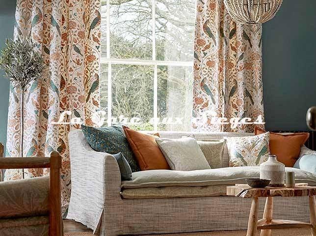 Tissu William Morris - Seasons by May Embroidery - Voir en grand