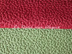 Tissu Chanée Ducrocq - Granit - Coloris: 1521 Garance - 1509 Mousse - Voir en grand