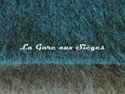 Tissu Pierre Frey - Yéti - réf: F3290 - Coloris: 007 Paon & 008 Giboulée - Voir en grand