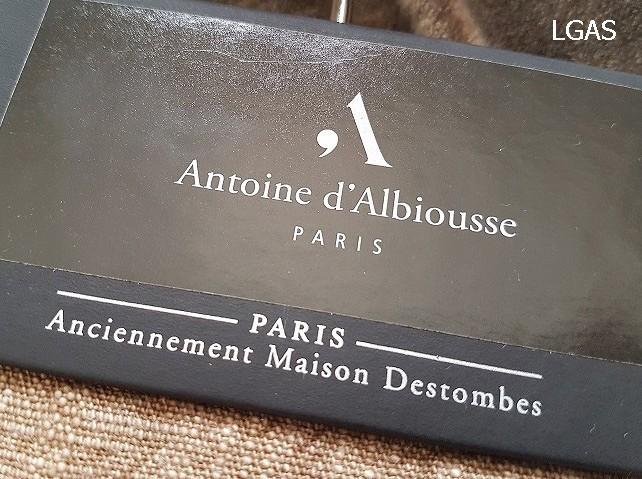 Tissus d'ameublement Antoine d'Albiousse - La Gare aux Sièges - Voir en grand