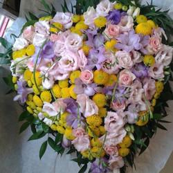 coeur en fleurs pour obsèques - Voir en grand