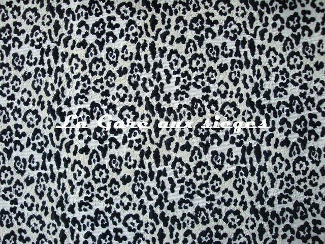 Tissu Pierre Frey - Velours Panthère Jungle - réf: F2861.001 Noir - Voir en grand