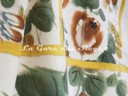 Tissu Jean Paul Gaultier - Babouchka - réf: 3469-02 Doré - Voir en grand