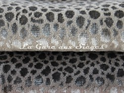 Tissu Osborne & Little - Kuri - réf: F6710 - Coloris: 07 Stone & 08 Grey - Voir en grand