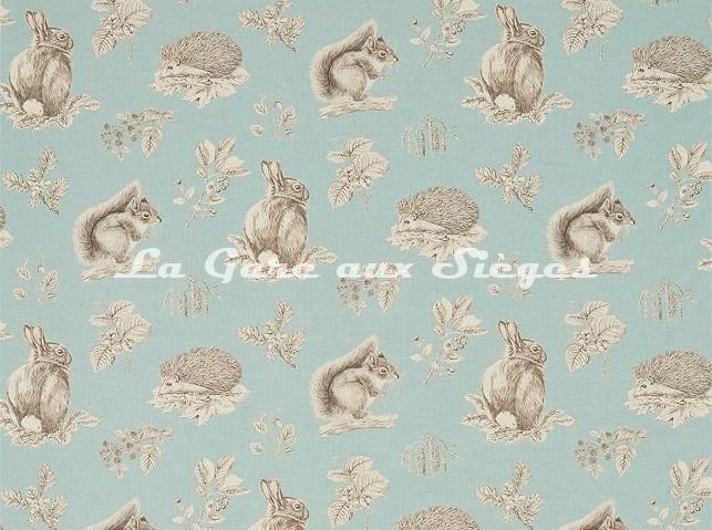 Tissu Sanderson - Squirrel & Hedgehog - réf: 225521 Sky Blue/Pebble - Voir en grand