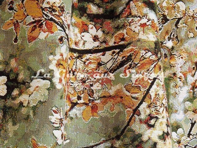 Tissu Jean Paul Gaultier - Sakura - réf: 3468.02 Doré - Voir en grand