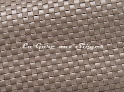 Tissu Pierre Frey - Yakara - réf: F3028-002 Suricate - Voir en grand