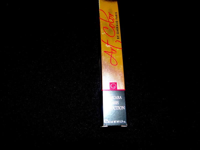 mascara noir effet faux cils - mascara noir - EMMANUELLE COIFFURE - Voir en grand