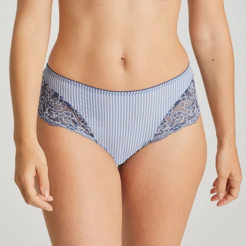 primadonna-lingerie-thong-nyssa-0663161-blue-0_3512359__00207.1600758388.jpg - Voir en grand