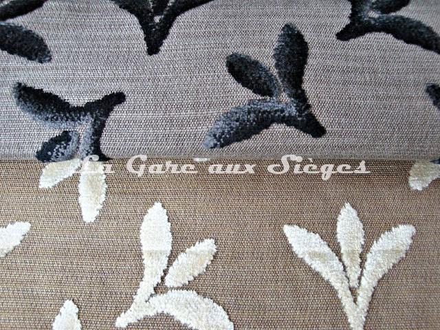 Tissu Casal - Carnavalet - réf: 12657 - Coloris: 0 Ebène & 72 Beige - Voir en grand