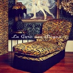 Tissu House of Hackney - Tiger velvet taupe - Voir en grand