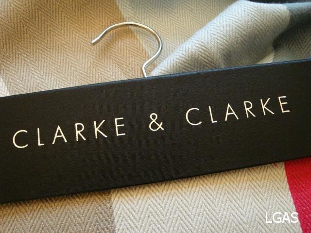 Tissus Clarke & Clarke - La Gare aux Sièges - Voir en grand