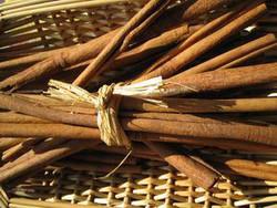 Cannelle de Ceylan bâton 20cm - Herboristerie - Pharmacie POUEY - Voir en grand