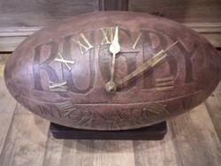 Horloge Ballon de Rugby à Poser - Antan et Néo - Voir en grand