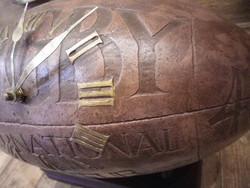 Horloge Ballon de Rugby à Poser - Antan et Néo