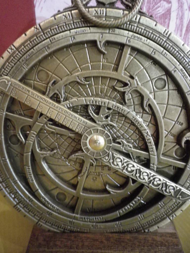 astrolabe laiton vieilli astrolabe antan et n o brive antan et neo. Black Bedroom Furniture Sets. Home Design Ideas