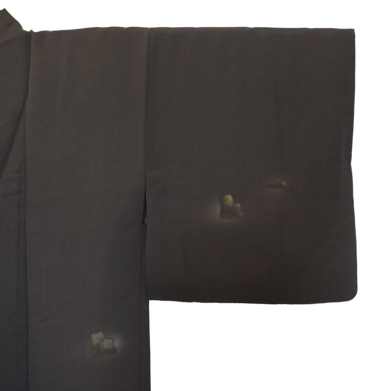 détails motifs cuivrés et argentés haori en soie noir - Voir en grand