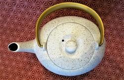 Théière fonte japonaise Wazuqu 0,55 l. - Comptoir du Japon - Voir en grand