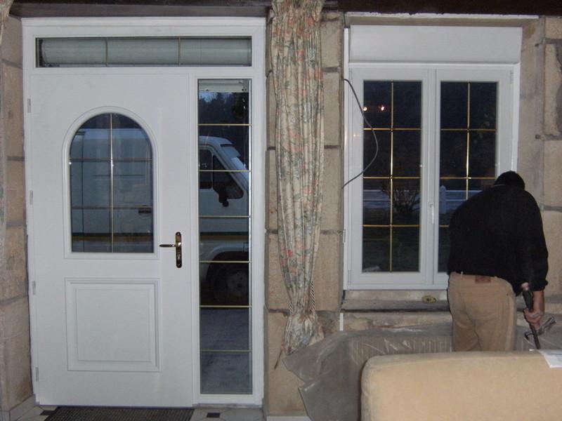 porte d'entrée et fenêtre pvc - Voir en grand