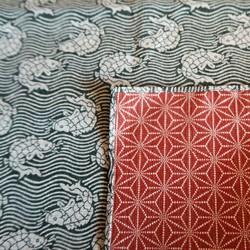 Furoshiki 105cm, carré de tissu japonais, réversible, poissons et asanoha
