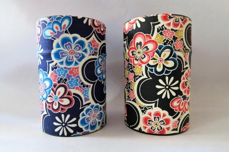 Boîte à thé japonaise Fleurs (100 g) - Comptoir du Japon - Voir en grand