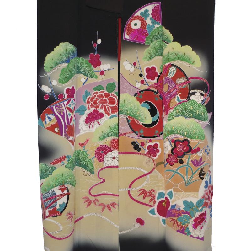 détails motifs kimono noir taisho - Voir en grand