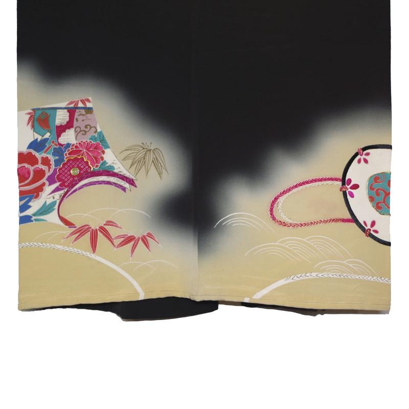 détails brume et motifs très coloré kimono noir taisho - Voir en grand