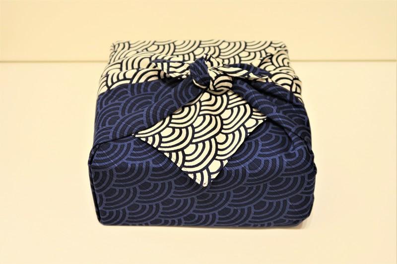Furoshiki 50cm vague seigaiha - Comptoir du Japon - Voir en grand
