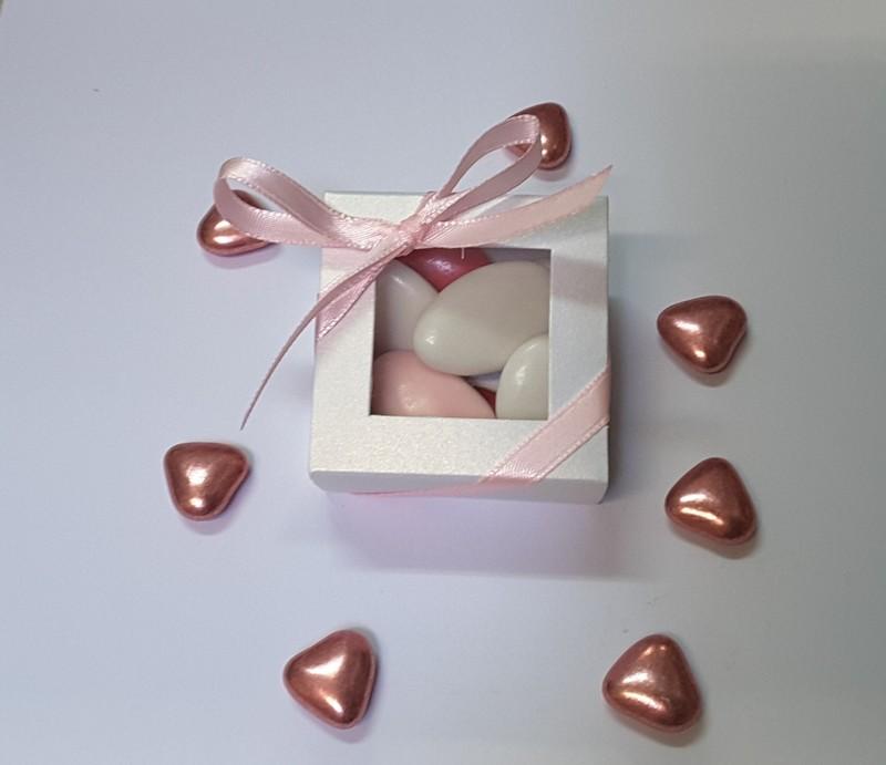 Boite carrée blanche nacrée -  Sachets confiseries , Emballages, contenants drag - MAILLARD - Voir en grand