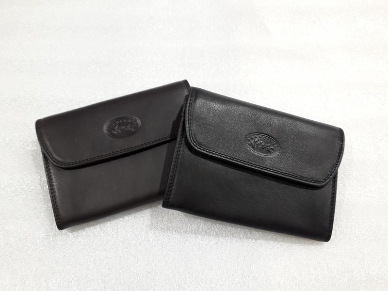 Porte-feuille pour serveur ou chauffeur de taxi Noir Cuir de vachette v/éritable avec fermoir r/églable sur 3/positions et fente pour cartes