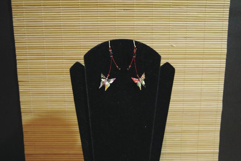 Boucles d'oreilles origami papillons - Comptoir du Japon - Voir en grand