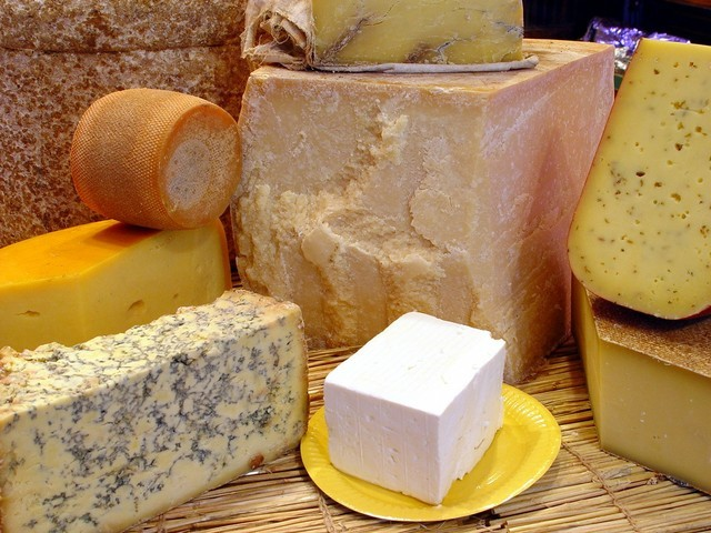 D'EXCELLENTS FROMAGES EUROPEENS - FROMAGES EUROPEENS - LA FOUCHALE - Voir en grand