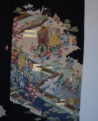 Kimono en soie femme noir traditionnel vintage - Motif avant gauche - Comptoir du Japon - Voir en grand