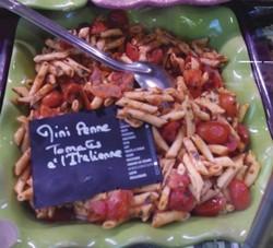 Salade de mini penne aux tomates à l'italienne - Entrées froides - LA PETITE LOUISETTE - Voir en grand