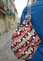 Transformer un carré de tissu en sac avec les anses Miyako - Comptoir du Japon