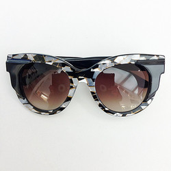 thierrylasry1.jpg - Voir en grand