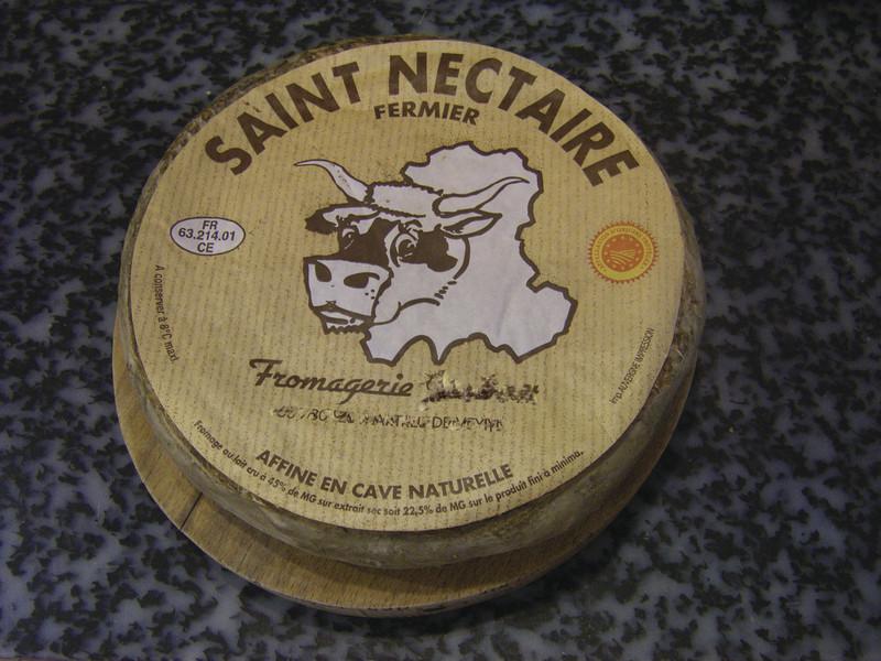 St Nectaire fermier - Massif central / Auvergne / Aubrac - FROMAGERIE AU GAS NORMAND - DIJON - Voir en grand