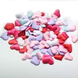 Coeurs en tissu satin