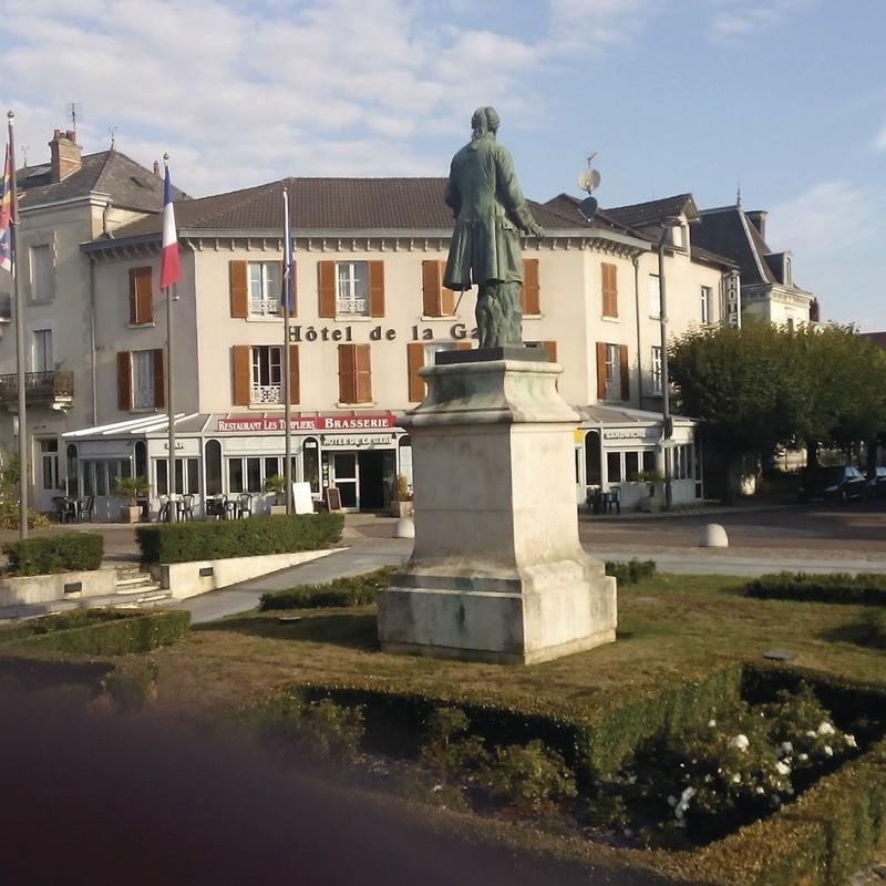 Hotel de la gare - Services - UCAM : Union Commerciale de Montbard - Voir en grand