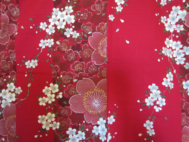 Yukata kimono en coton sakura feurs de cerisier rouge - Comptoir du Japon - Voir en grand