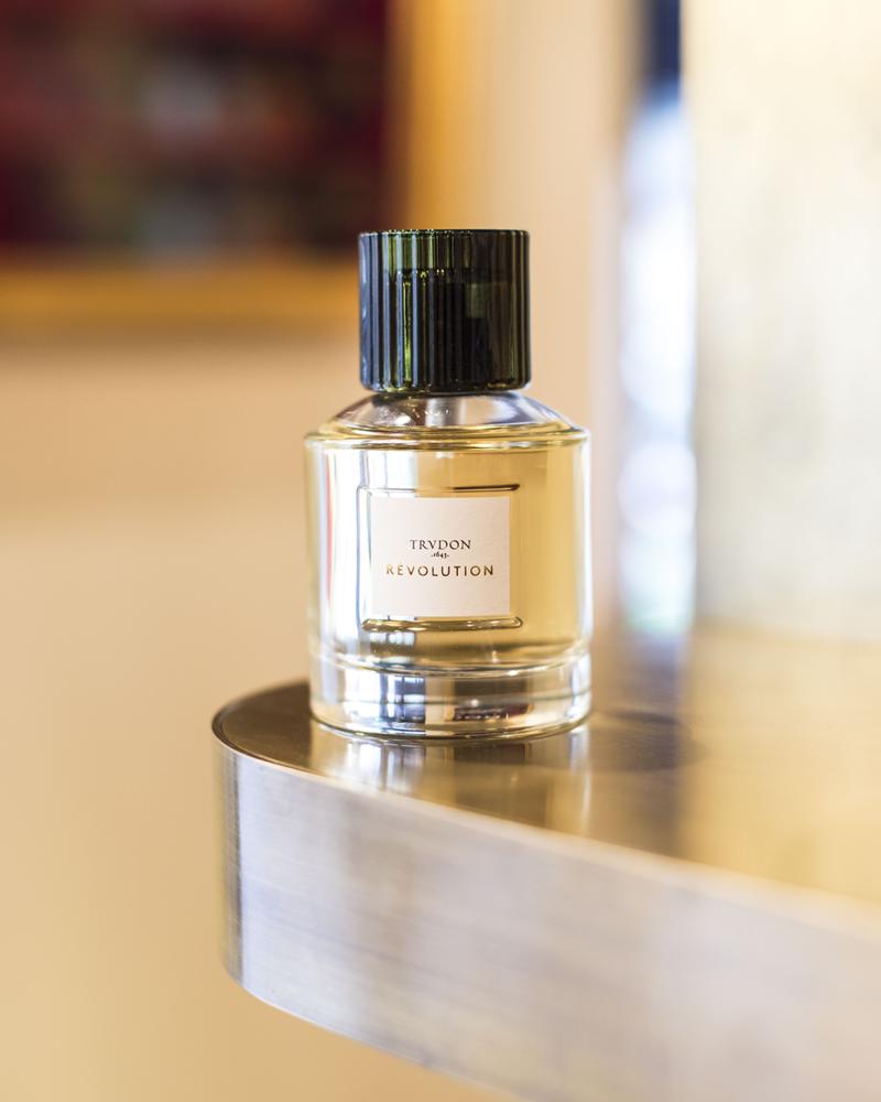 Parfum Cire Trudon Révolution - Voir en grand