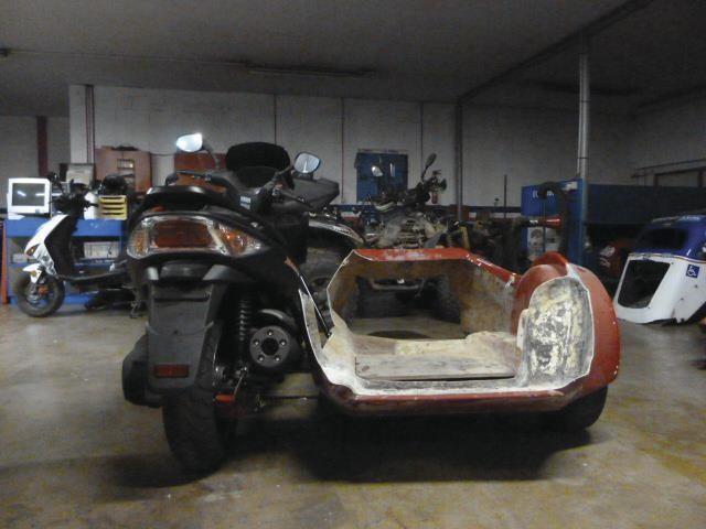 SIDE CAR KYMCO ANGEL'S spécial PARAPLEGIQUE DIJON CHENOVE - Voir en grand