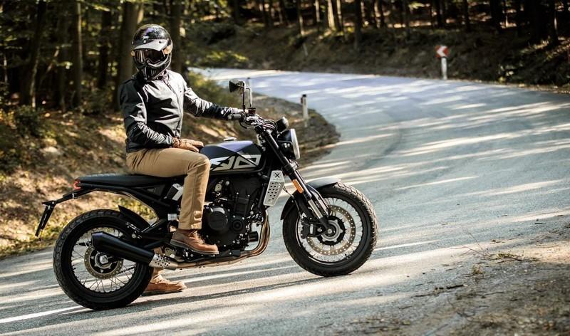 BRIXTON CROSSFIRE 500 cm3 ANGEL'S MOTOS DIJON CHENOVE - Voir en grand